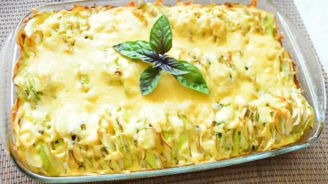 zapekanka-molodoy-kartofel-kabachki