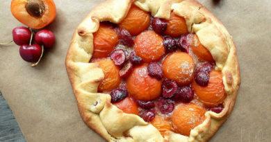 pirog-abrikosy-chereshnya