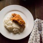 riba-v-tomatno-mindalnom-sou