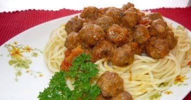spagetti-sous-frikadelki