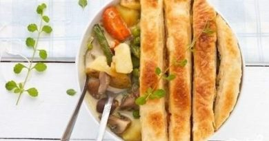 Ленивый вегетарианский пирог в горшочке с овощами