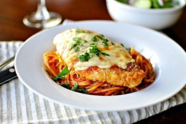 cyplenok-syr-spagetti-tomatnyj-sous