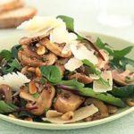 Грибной салат с кедровыми орешками