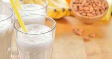 Полезный молочный напиток с овсянкой
