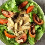 bystryj-salat-s-zharenym-syrom