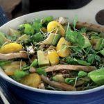 svinina-barbekyu-salat-iz-avokado
