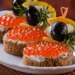buterbrody-s-ikroj-i-olivkami