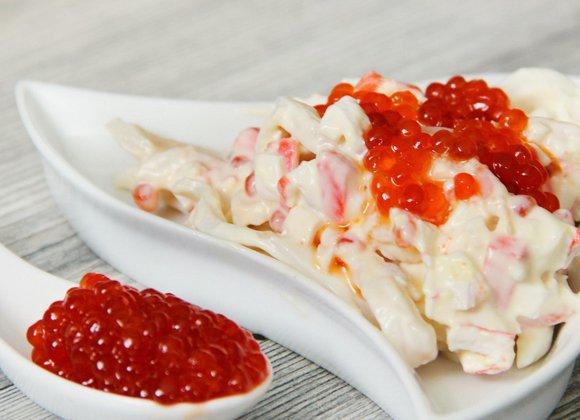 salat-s-kalmarami-krevetkami-i-krasnoj-ikroj