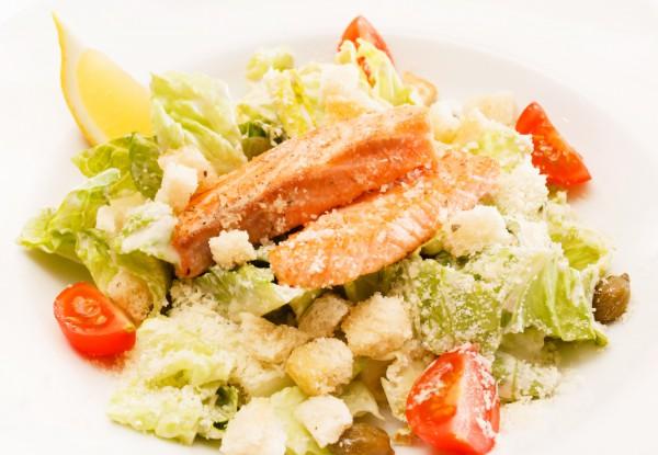 salat_cezar_s_lososem