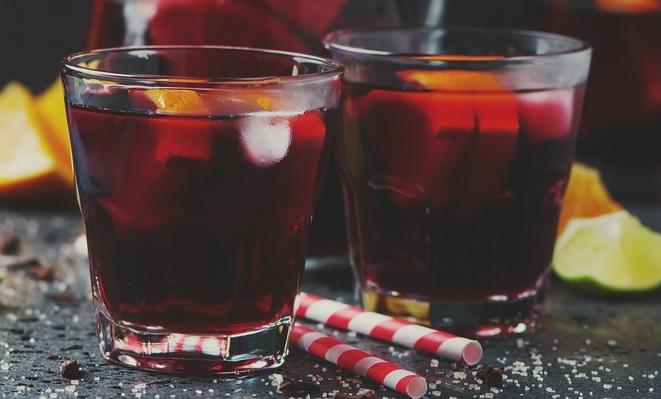 koktejl-apelsiny-v-krasnom-vine
