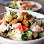 Рецепт салата с фасолью и сухариками: классический, повседневный, праздничный