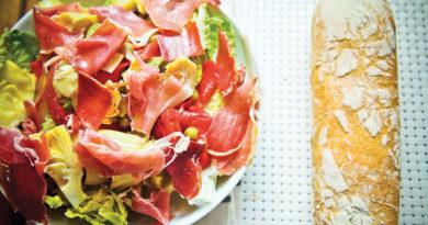 ispanskij-salat-s-xamonom