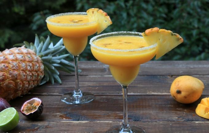 koktejl-ananas-mango