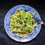 salat-s-yablokom-i-bryusselskoj-kapustoj