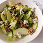 salat-yabloki-orexi-goluboj-syr