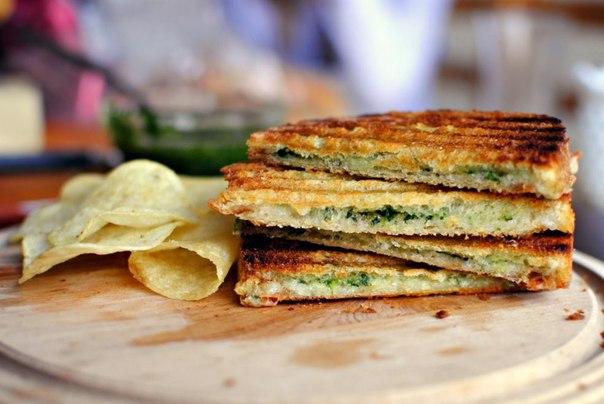 sendvichi-s-pesto
