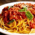 spagetti-bolonyeze-s-myasnym-farshem