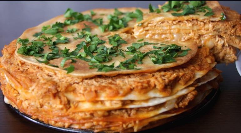 Нежнейший закусочный торт из лаваша: быстро и вкусно