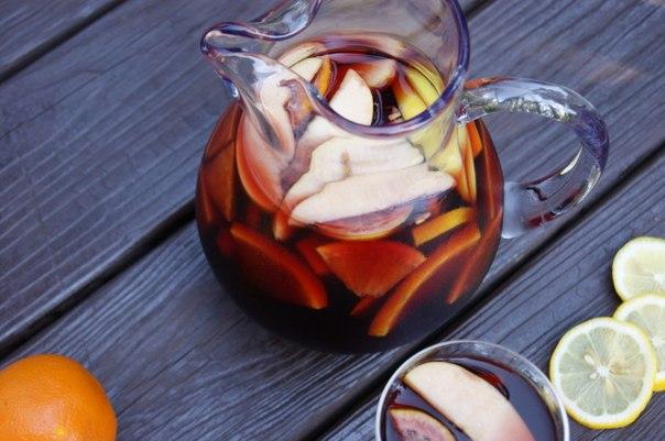 sangriya-s-apelsinami-limonom-i-yablokami