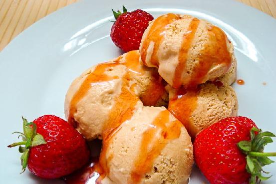 Мороженое крем-брюле с вареной сгущенкой