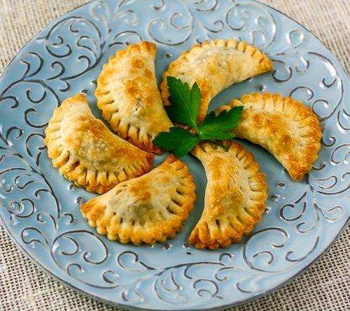 Уральские посикунчики – маленькие пирожки с фаршем
