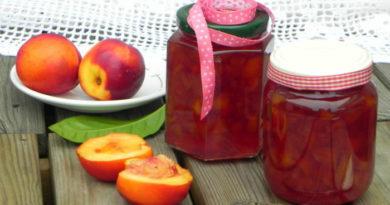 nektarinovoe-varenye-s-imbirem