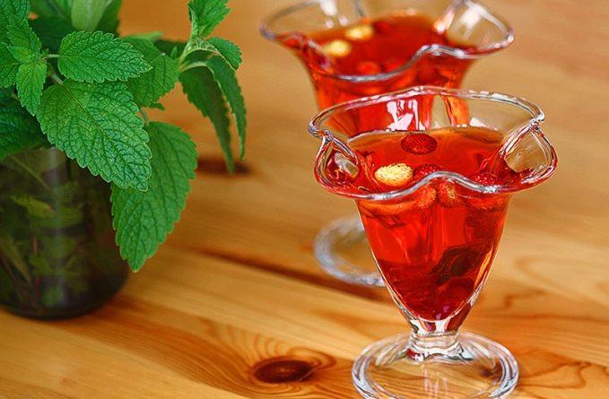 fruktovoe-zhele-s-vinom
