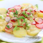 kartofelnyj-salat-s-syrom-i-redisom