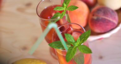 xolodnyj-chaj-s-persikami