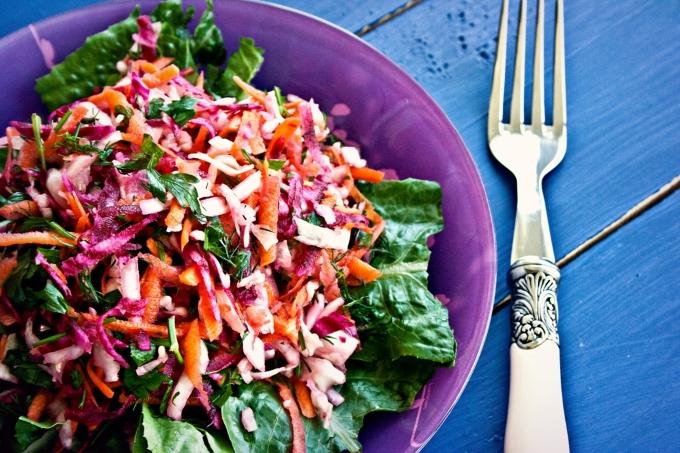 salat-s-morkovyu-svekloj-i-kapustoj