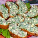 Быстрые бутерброды с селедкой