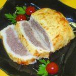 Картофельный рулет с мясом и зеленью