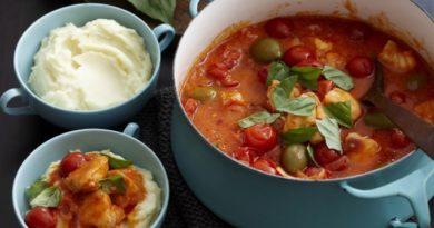 rybnoe-ragu-s-tomatami-i-olivkami