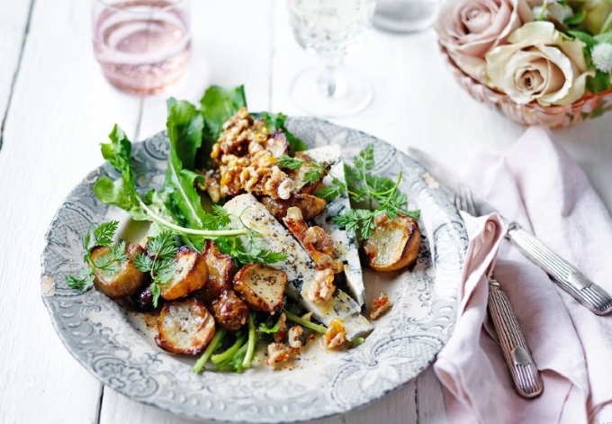 teplyj-salat-s-topinamburo