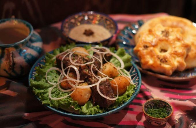 uzbekskij-kazan-kebab-s-kartoshkoj