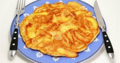 omlet-s-yablokami