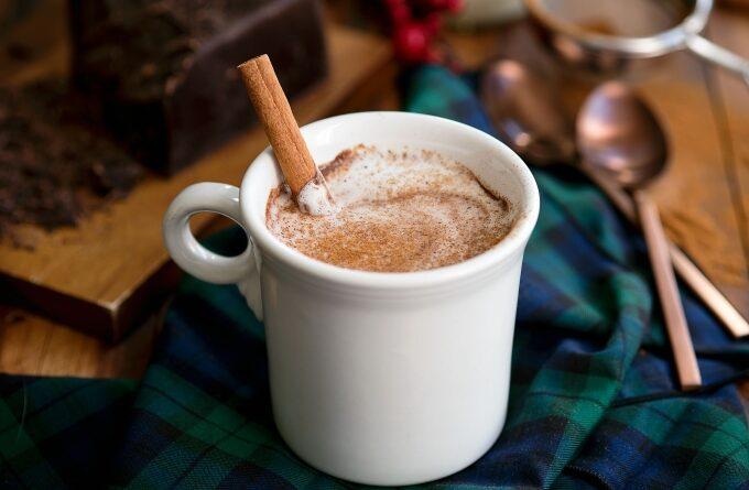kakao-so-sgushenym-molokom-i-shokoladom