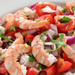 salat-s-krevetkami-i-pomidorami-bez-majoneza