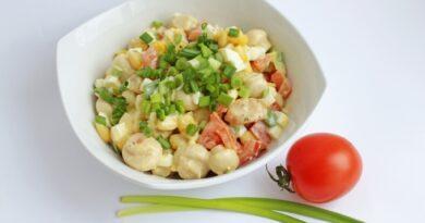 salat-s-marinovannymi-gribami-i-kuricej