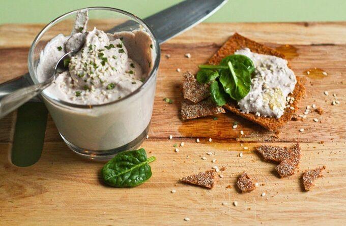 dip-iz-greckih-orehov-i-tofu
