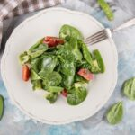 ovoshnoj-salat-s-myatnoj-zapravkoj