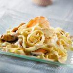 pasta-s-moreproduktami-v-slivochnom-souse