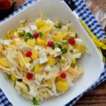 salat-s-kvashenoj-kapustoj-yajcom-i-ovoshhami