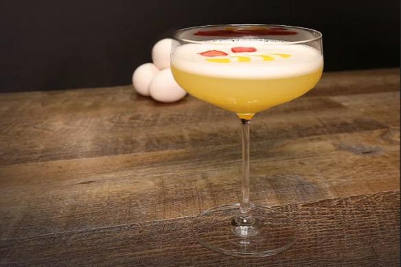 koktejl-s-konyakom-i-yajcom