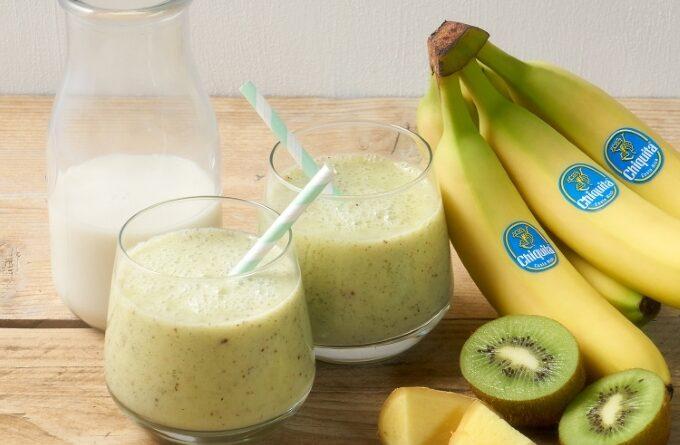 bananovyj-smuzi-s-kivi