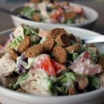 kurinyj-salat-s-krasnoj-fasolyu