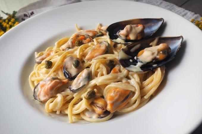 pasta-s-midiyami-pod-slivochnym-sousom