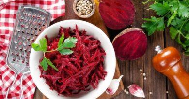 salat-iz-svekly-s-greckimi-orexami