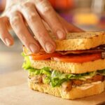 sendvich-s-kuricej-na-zavtrak