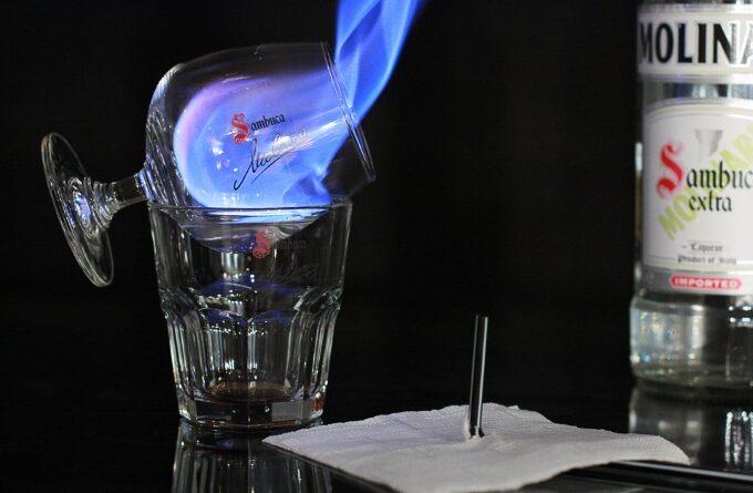 koktejl-sambuka